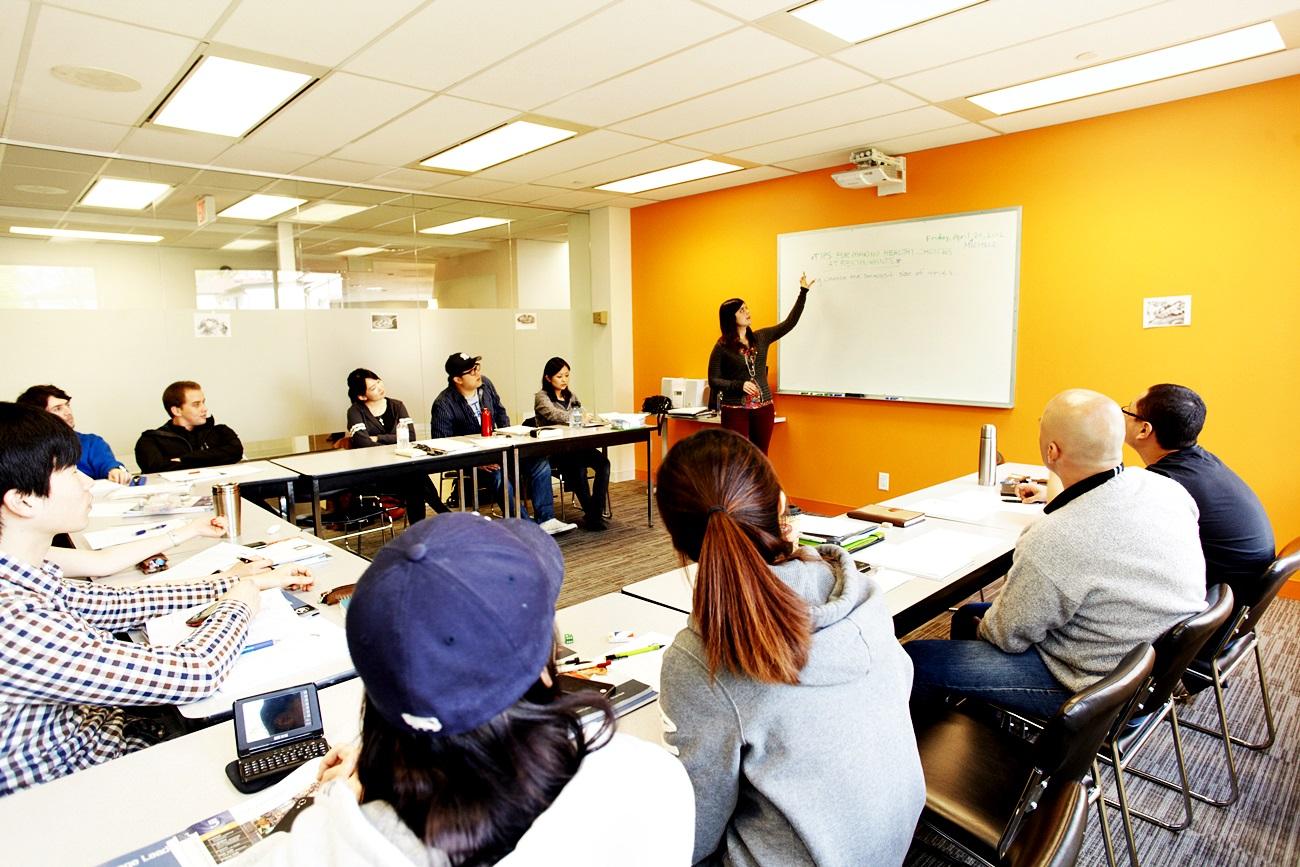 20120420_ectoronto-classroom_016.jpg